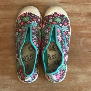 Keen Floral Shoes, Size 4